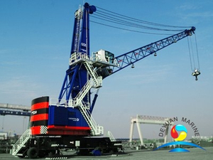 Heavy Duty Dock Mobile Harbor Cargo Transportation Cranes