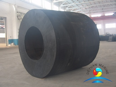 Various Sizes Black Cylindrical Rubber Fender For Workboats
